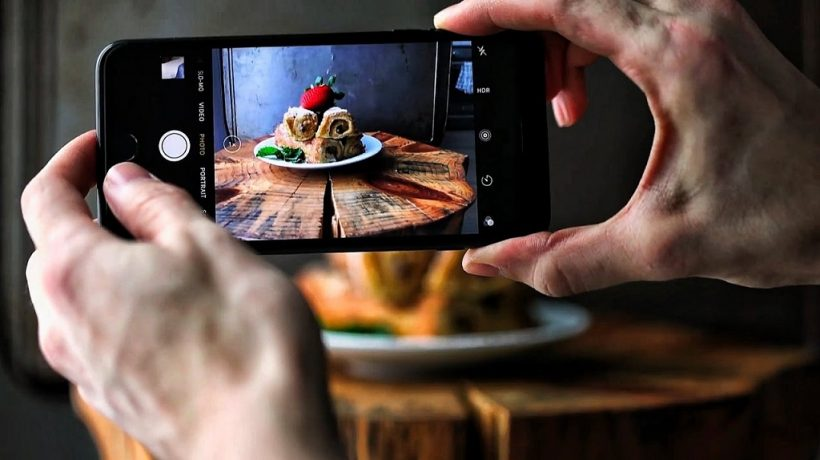 9 tips for taking pictures with your mobile phone